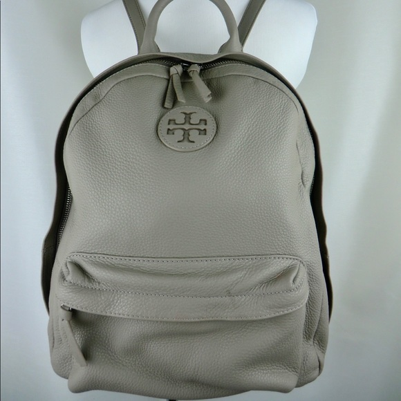 d9da6319a284 Tory Burch Leather Backpack in French Gray w  flaw.  M 5bbce3a03e0caa13ed5e422b